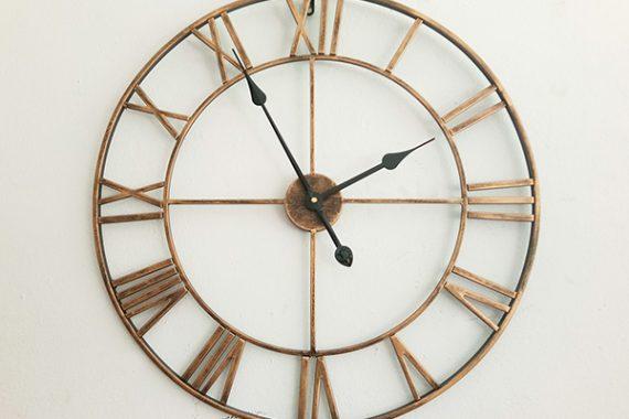 นาฬิกา Loft