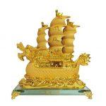 เรือสำเภาจีน หัวเรือเป็นรูปมังกร