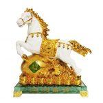 ม้าขาว ของขวัญมงคลเสริมดวง
